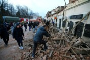 이집트, 아파트 붕괴로 최소 25명 사망…생후 6개월 남아 구조